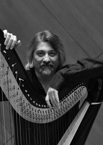 Київський камерний оркестр, Чагатай Акіол (арфа) Туреччина