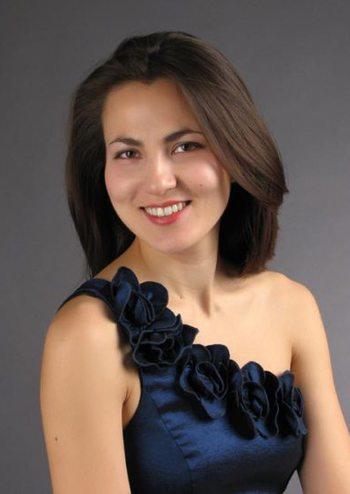 Нац.симфонічний оркестр України, Алія Акбергенова (фортепіано)