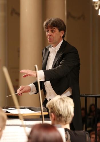 НЗАСОУ. Диригент Н. Джуліані (Італія)