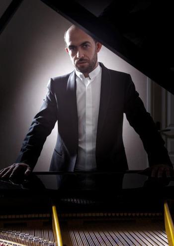 Абонемент №10: Л. В. Бетховен. Соліст - Франсуа Дюмон (фортепіано)